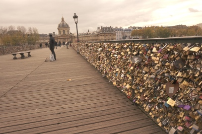 Pont_des_Arts_Love_locks